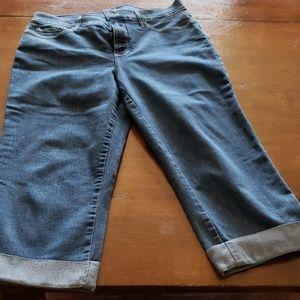 NWOT NYDJ Crop Jean's size 12
